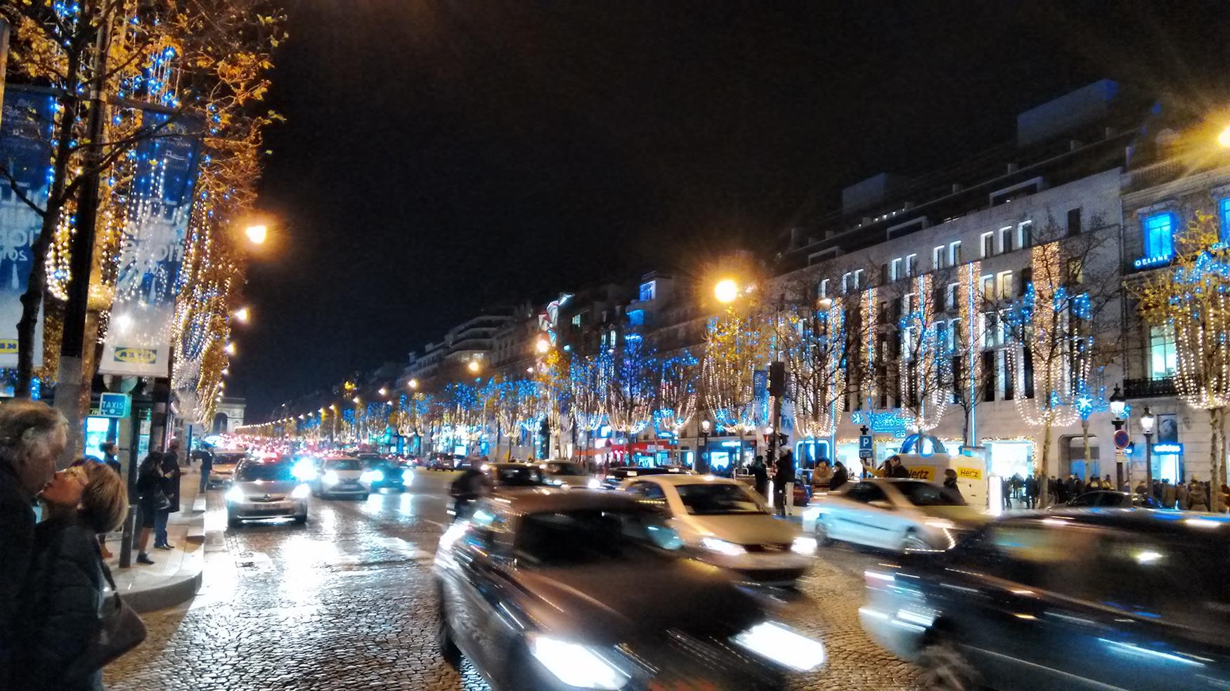 Karácsonyi vásár Párizsban (Fotó: Szerencsés Hella)