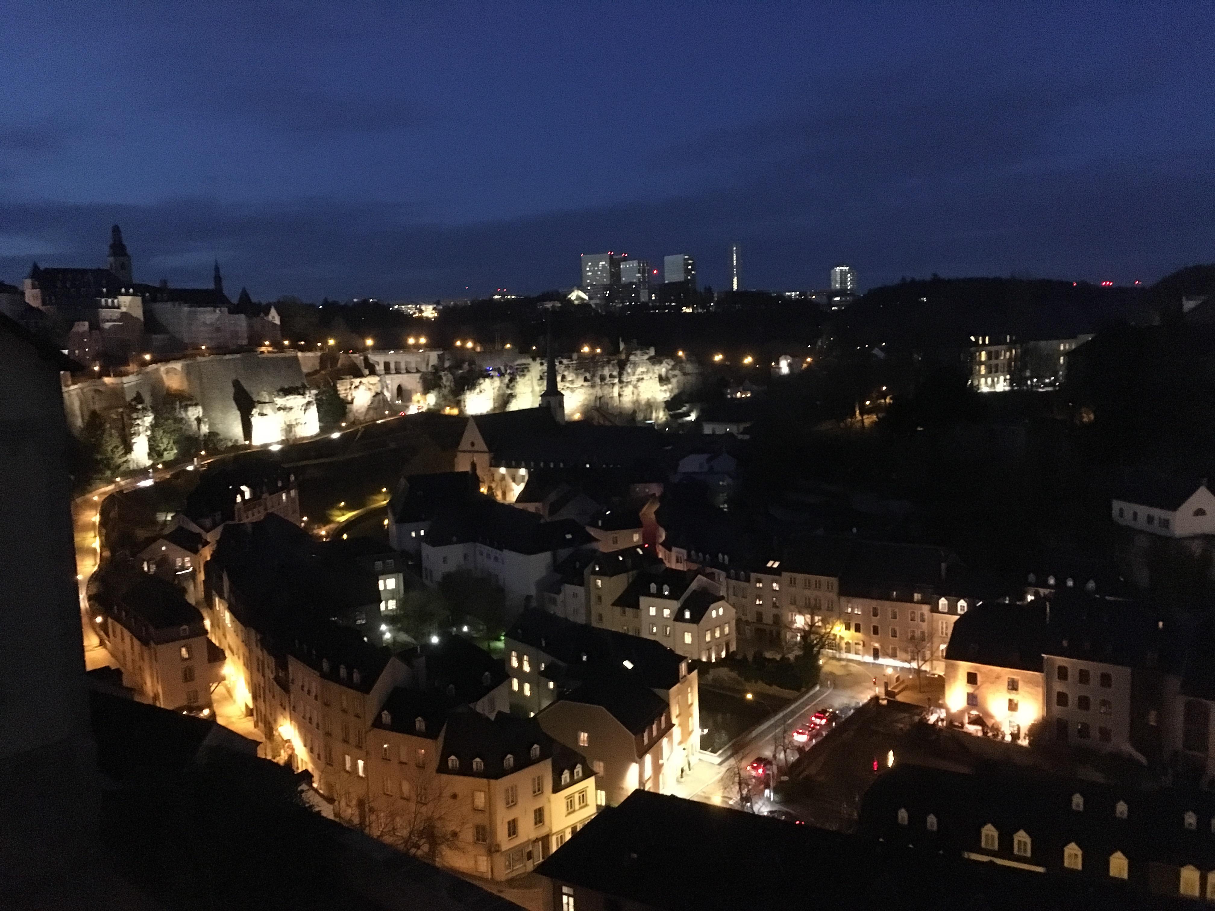 luxemburg_luxembourg_ejszaka.JPG