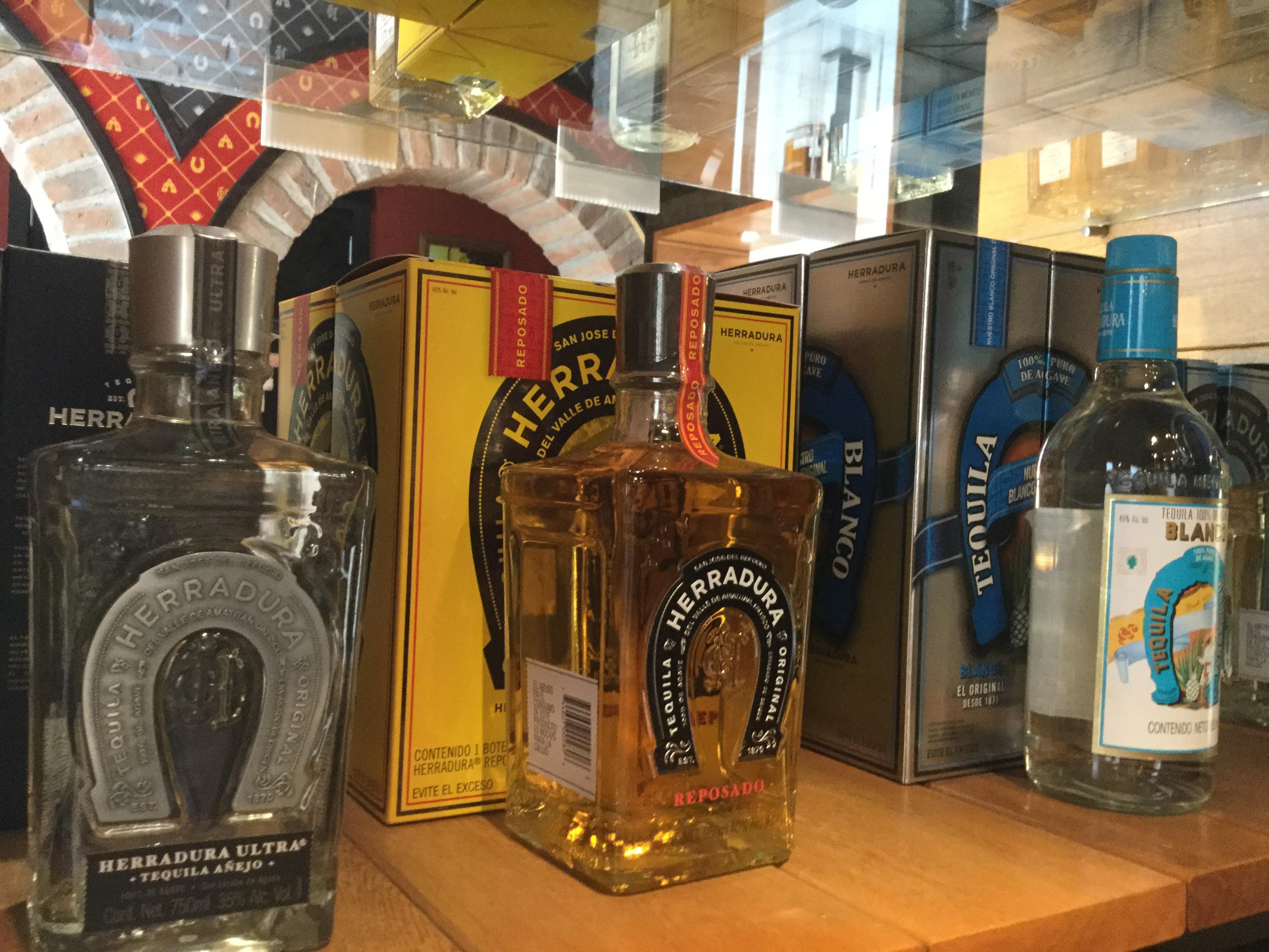 Mexikói tequila normál kiszerelésben (Fotó: Andi Fodor)