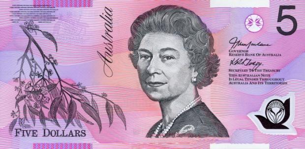 58 évesen az ausztrál 5 dolláros bankjegyen (Kép: currencyguide.eu)