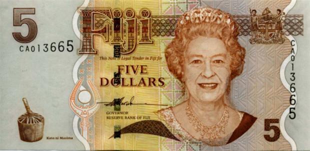 73 évesen a Fidzsi-szigetek 5 dolláros bankjegyén (Kép: banknoteworld.it)