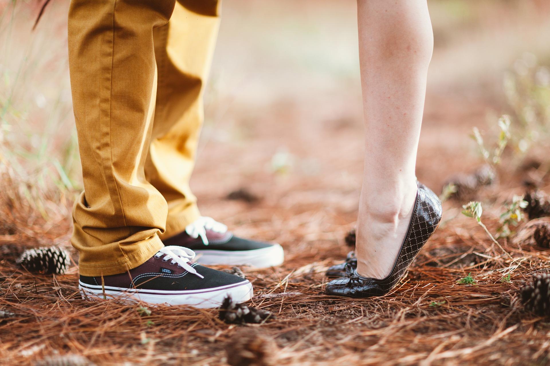 feet-1779064_1920.jpg