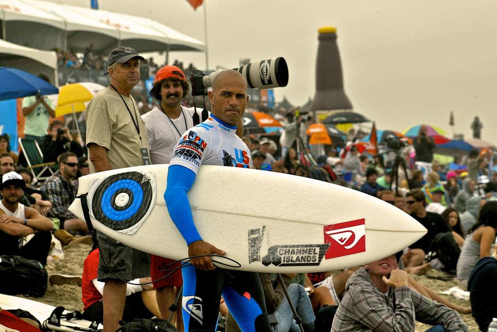 Slater vonul a 2010-es US Open of Surfing versenyen Huntington Beach-en. (Fotó: Flickr/Tati Melo)