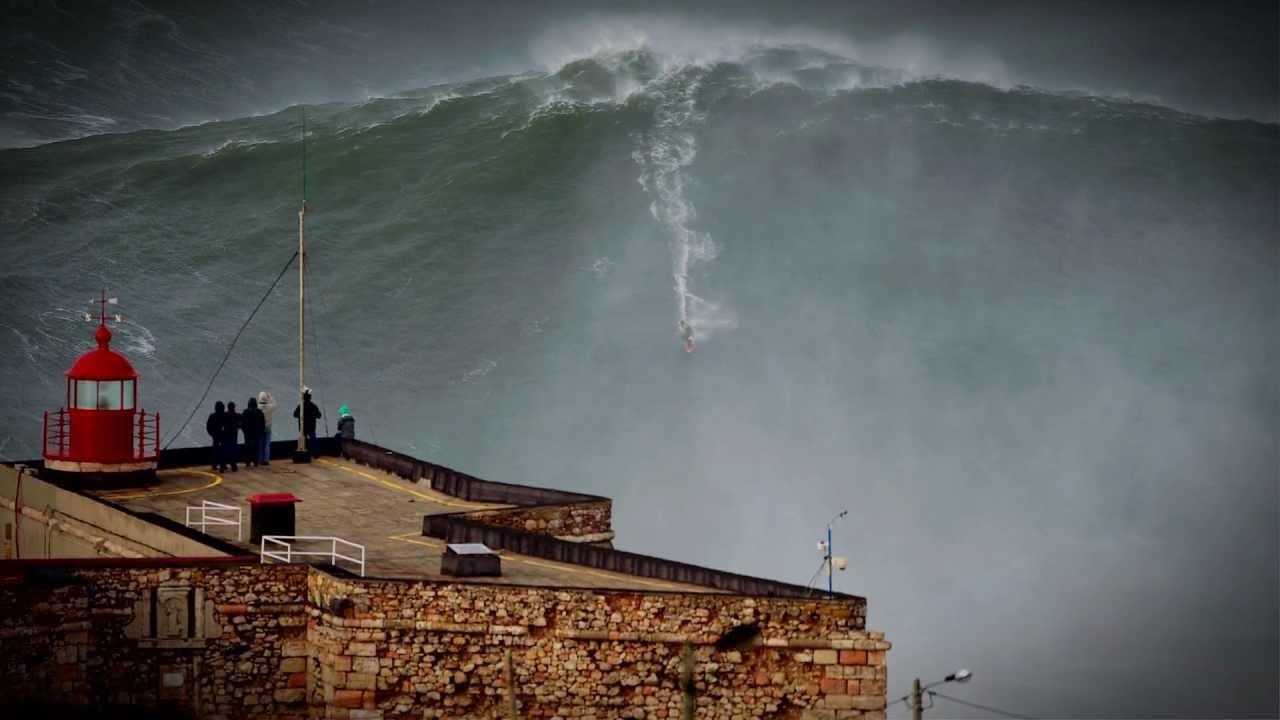 Garrett 100 láb magas hullámrekordja - Nazaré, Portugália, 2011 (Fotó: youtube)