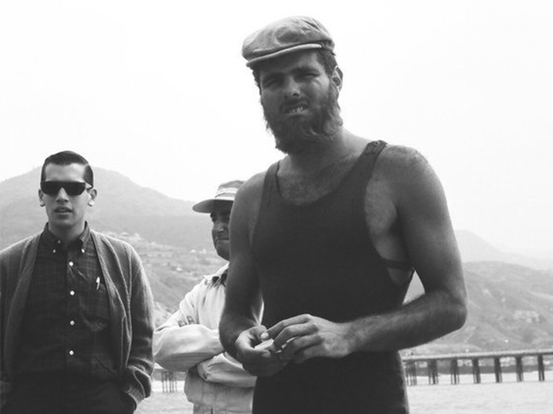 A rebellis magyar szörfös: Miki Dora (Fotó: bearsurfboards.com)