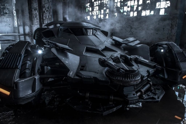 batman_vs_superman_batmobil_shot_1.jpg