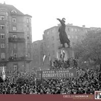 Október 23.: emberi jogokat követelnek Budapest utcáin (1956)
