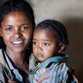 Menedékjog a megcsonkított anyának és kislányának