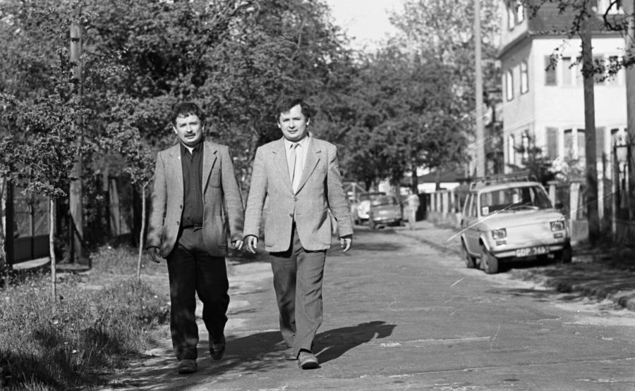 8826970-jaroslaw-kaczynski-i-lech-kaczynski-1989.jpg