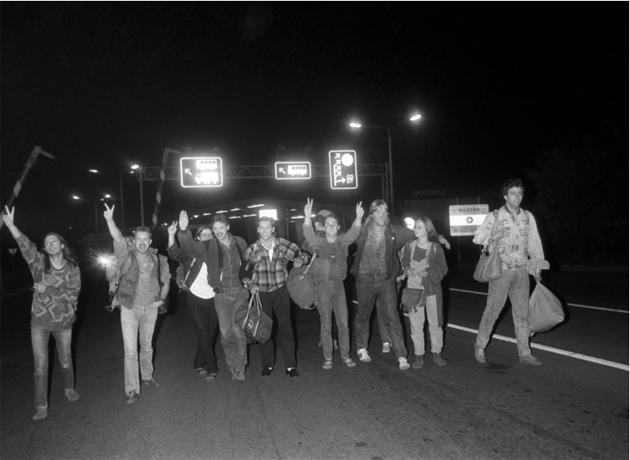 hatarnyitas-1989-ndk-sok2.jpg