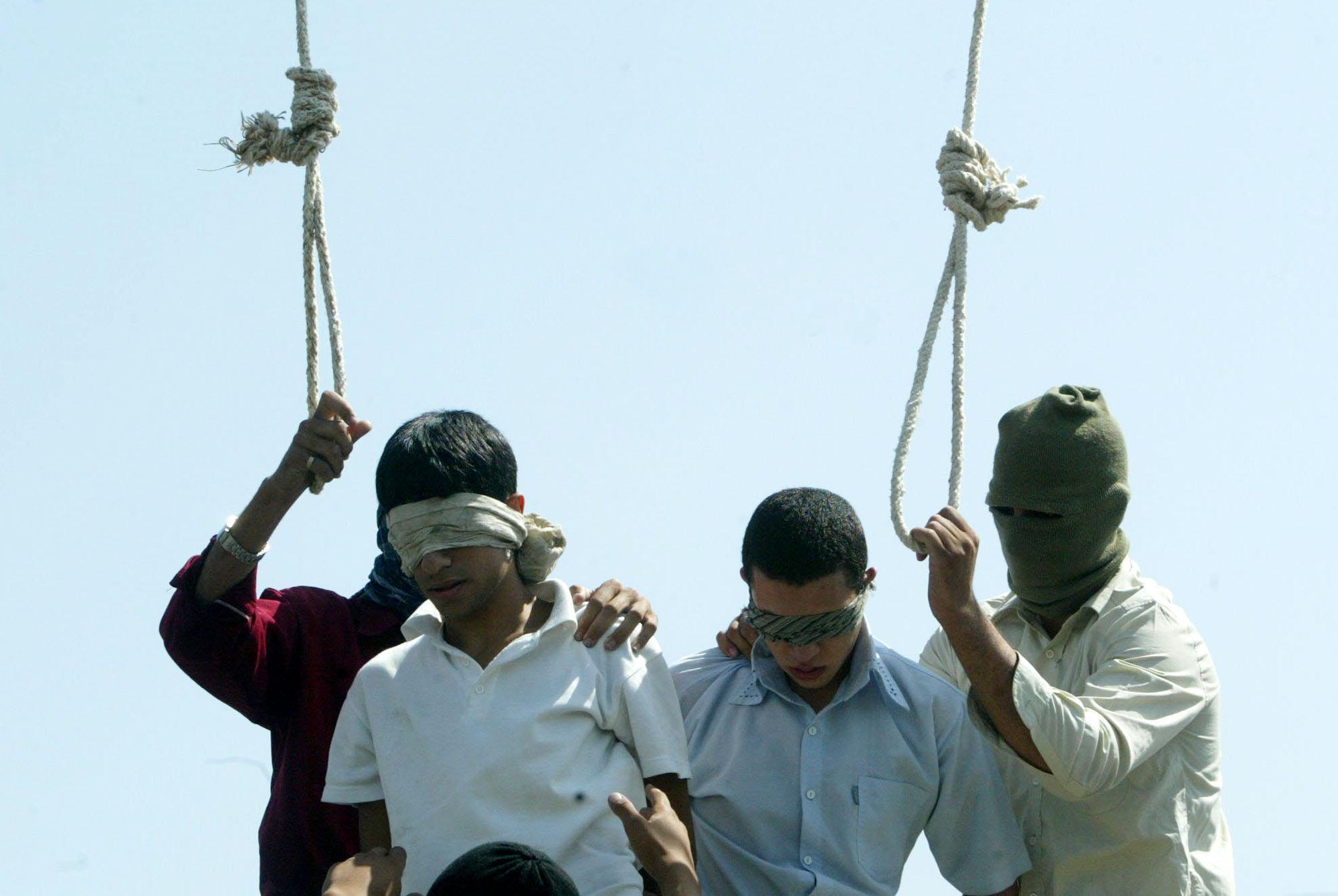 iran-hanging-07_23_2005.jpg