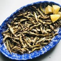 Alternatív snack: apróhalak sütőben sütve