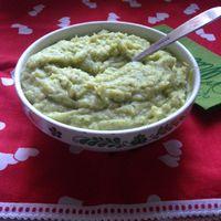 Brokkolis krumplipüré, hogy színt vigyünk a télbe...
