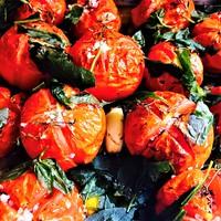 Zöldfűszeres, sült paradicsom (szósz)