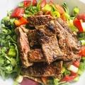 Fűszeres, sült hátszín zöldcitromos kevert salátával