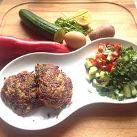 Korianderes-húsos lapcsánka friss salátával - 2in1 étel