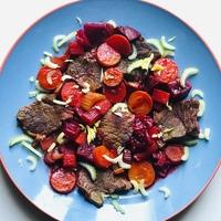 Fűszeres marhahátszín céklával, répával, házi BBQ mártásban