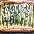 Sajtkrémes zöldspárga tésztaágyon