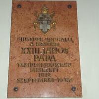 XXIII. János pápa emléktáblája - Budapest, Ferences templom