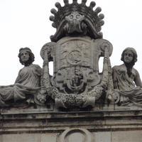 Károlyi címer - Budapest, Pollack Mihály tér