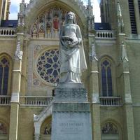 Árpádházi Szent Erzsébet szobra - Budapest, Rózsák tere