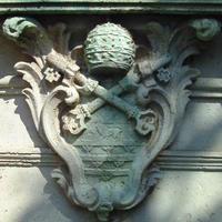 Odescalchi címer - Budapest, Hess András tér