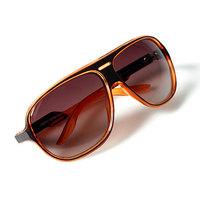 Átlátszó napszemüvegek a nyárra