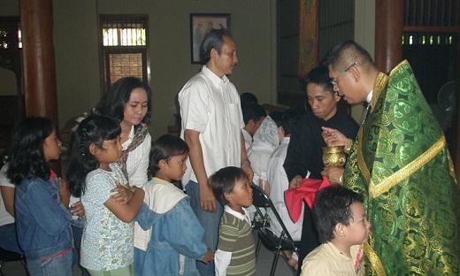 children eucharist.JPG