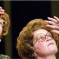 Elbuszozni az őszinteségig – Két néni, ha megindul (@Örkény)