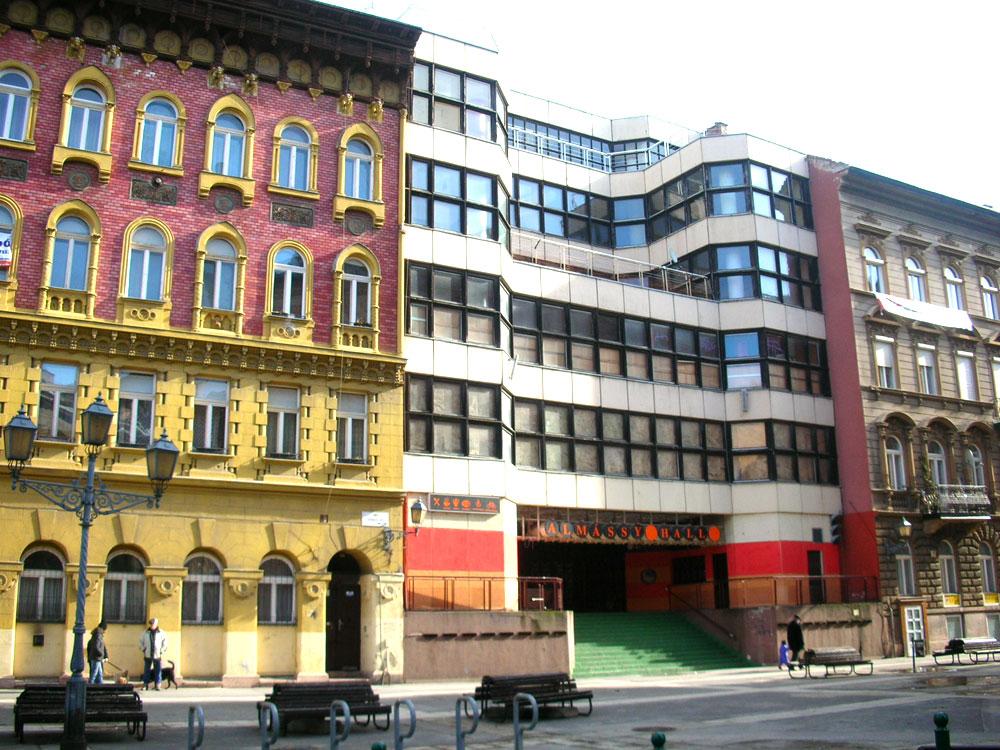 budapest-vii-kerulet-almassy-teri-szabadidokozpont-.jpg