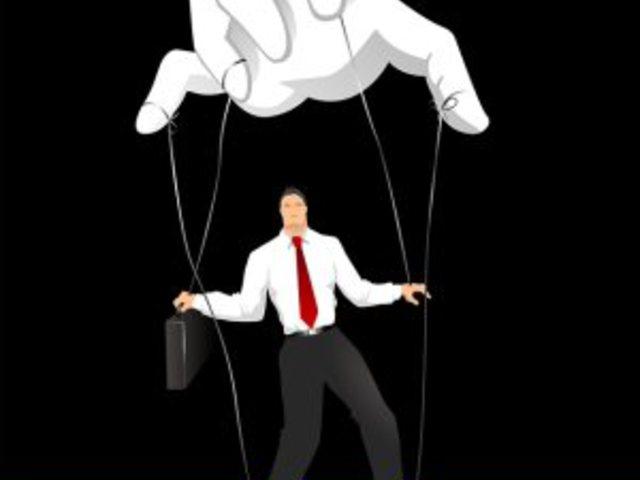 A túlzott kontroll cselekvésképtelenséget okoz.