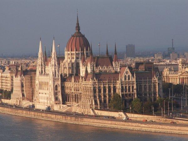 Parlament_Budapest3_0.jpg