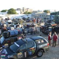 A Hetes busz jelentkezik a rettentő Mauritániából. Rettenetes lehúzások, rettenetes elakadások, csupa rettenetes hir.