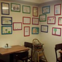 Menüt és női magazinokat minden gyerekbarát kávézóba!