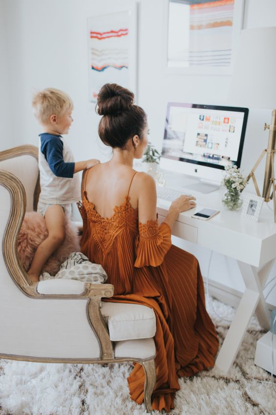mommyworking.jpg