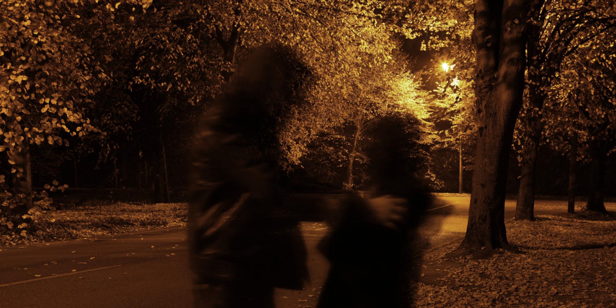 o-women-afraid-street-dark-facebook.jpg