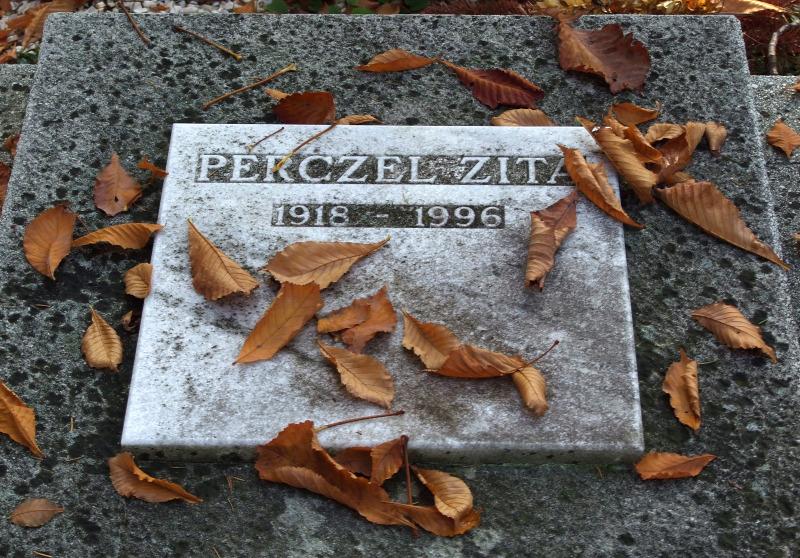 perczel_zita_1918-1996_filmszineszno_nyughelye_a_farkasreti_temeto_muveszparcellajaban.jpg