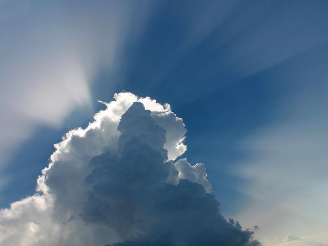 A felhők szélén ülve - novella
