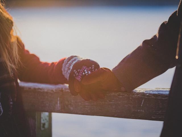 Meddig él(het) ma egy kapcsolat?
