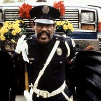 Meghalt Hightower a Rendőrakadémiából!