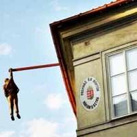 Felfüggesztett fogházat épít a Belügyminisztérium