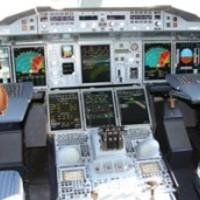 Egy félkezű vak Down-kóros tette földre a Boeinget
