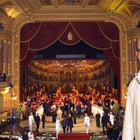 Dobrády Ákost is viszi az Operaházba Ókovács