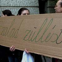 Élőlánccal tüntettek Geréb Ágnesért - és még néhány dologért