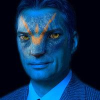 Orbán Viktor avatárja jelenti be a megszorításokat