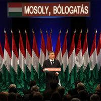 A nap képe: profik rendezték Orbán évértékelőjét
