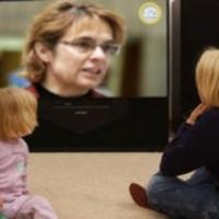 Szalai Annamária elkobozta a TV távirányítót