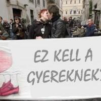Melegszervezetek tiltakoznak a Buzz miatt