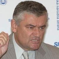 Slota: a rohadt magyarok álljanak le a rasszizmussal!