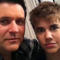 Sírva fényképezkedtek Bieber hajával - SOKKOLÓ FOTÓVAL!